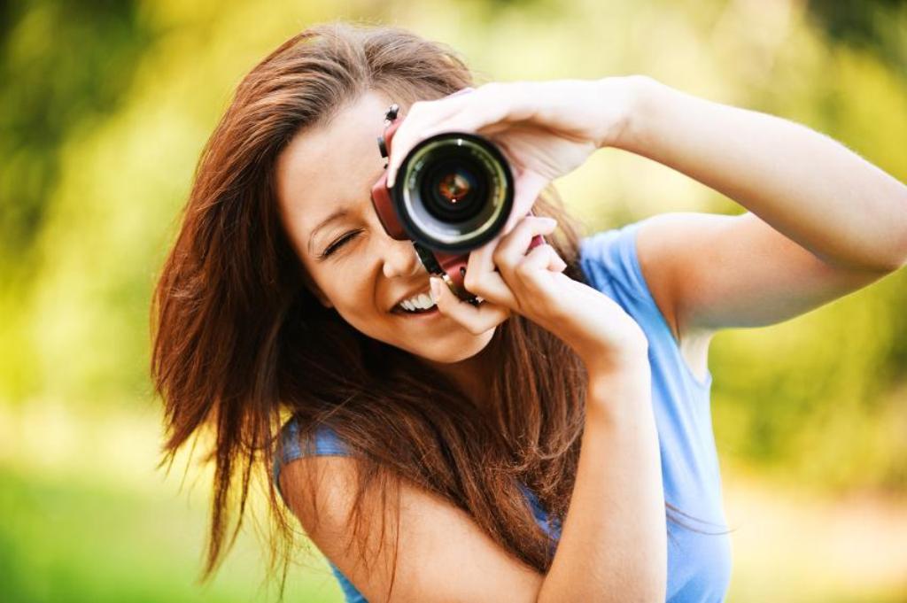 164658-850x565-taking-photographs