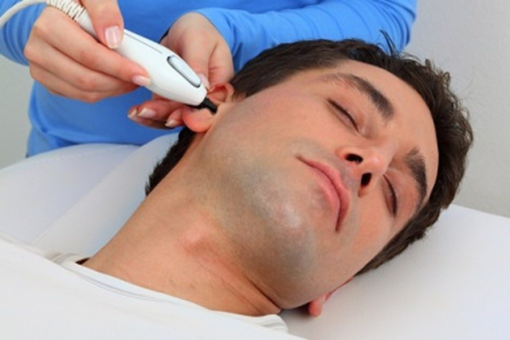 Photo of How to Pluck Your Ear Hair Safely?