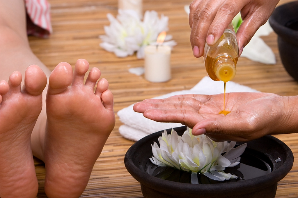 foot-massage-oil