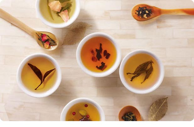 Different tea types and colors