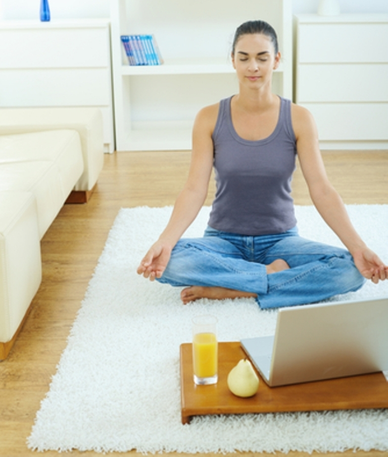 yoga-home-laptop