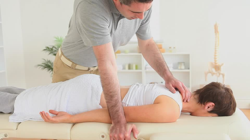 chiropractic benefits dangers