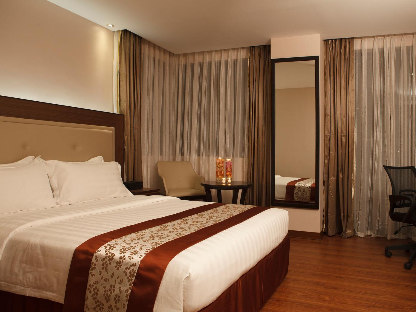 Photo of The Deluxe Room