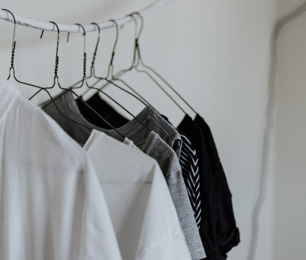 Photo of How to Match White and Black Clothes Together